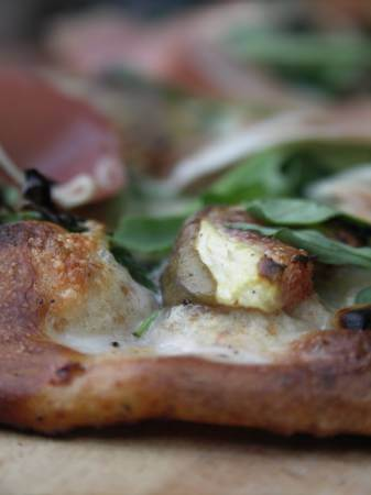 pizza figue mozza roquette